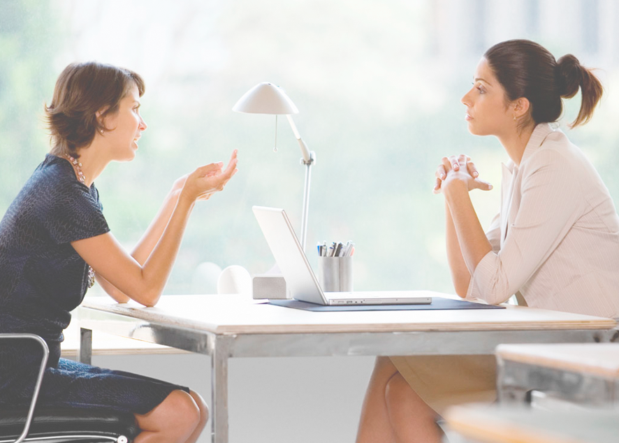 Чтобы правильно подойти к выбору работы, необходимо знать, какую информацию полезно уточнить у будущего работодателя.  Перечень вопросов, которые необходимо задать на собеседовании, помогут сделать взвешенный выбор.