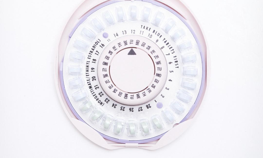 Развеиваем мифы о противозачаточных таблетках для тех, кто принимает их первый раз
