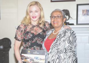 На этой неделе Мадонна посетила Кению и поделилась фотографиям, от которых захватывает дух.