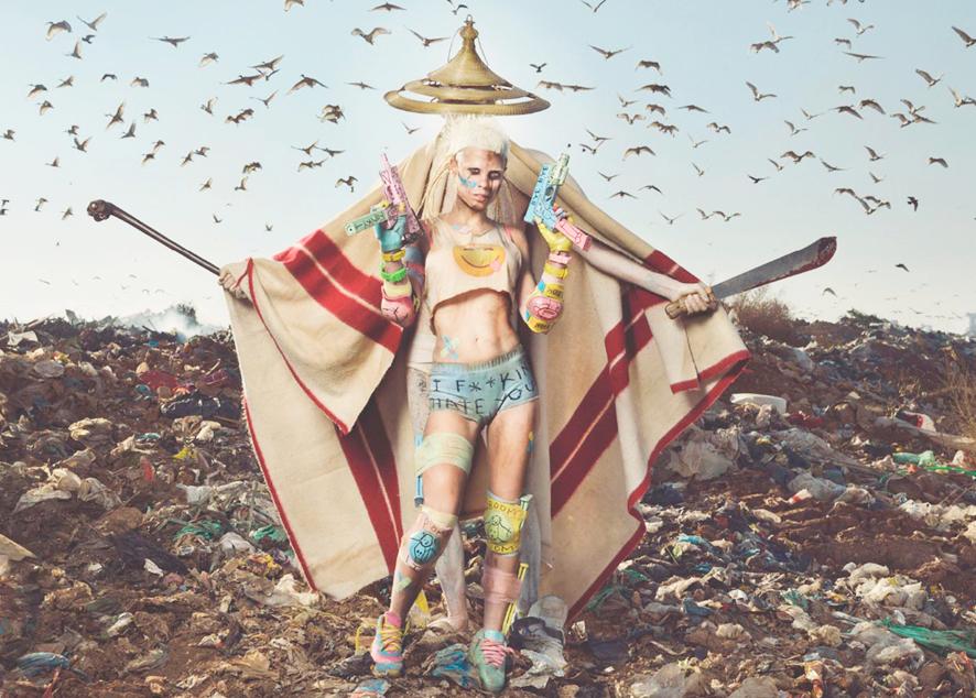 Наркотики, передозы, романтика — Die Antwoord обещает своим фанатам много интересного в этом году.