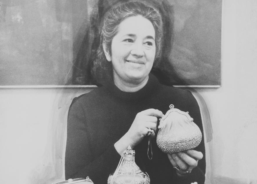 Ее сумки носили знаменитости и даже первая леди США, и до сих пор никто не создавал подобных  аксессуаров.