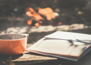 Любовь, мистика, ностальгия. Атмосферная классика, которая заставит вас содрогнуться во время осеннего чтения.