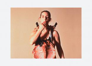 Представительница концептуального искусства собирается изменить жизнь кубинцев к лучшему.