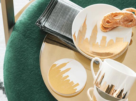 Кружка и блюдо с металлическим принтом H&M Home