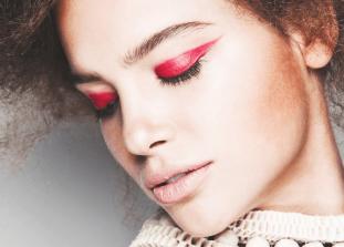 Как правильно сделать трендовый макияж и избежать эффекта болезненных глаз.