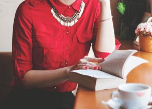 Разбираемся с тем, почему быть умной для женщины важнее, чем быть хорошей хозяйкой.