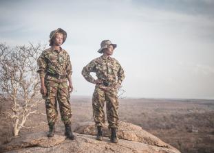 Отряд хорошо обученных и тренированных женщин занимается борьбой с браконьерством мирными методами.