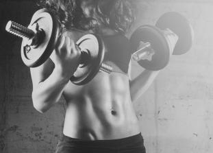Зачем могут понадобиться тренировки с весом и на тренажерах, если вам не нужны рельефы фитнес-модели и кубики пресса.