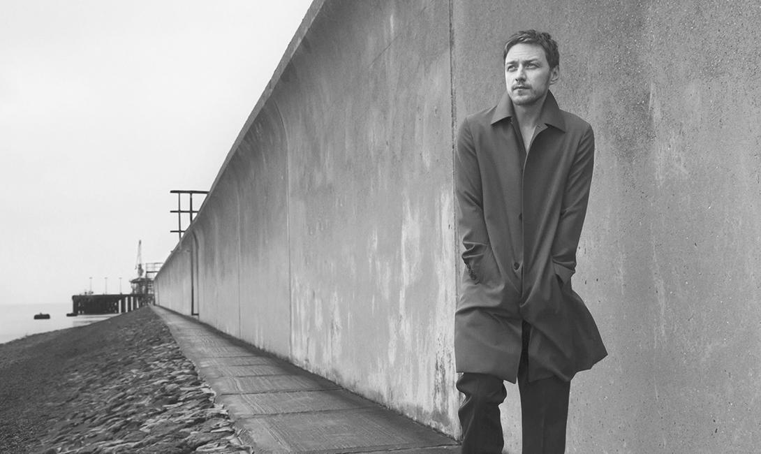 Джеймс Макэвой, прогулки вдоль стены помогают думать и вживаться в роль