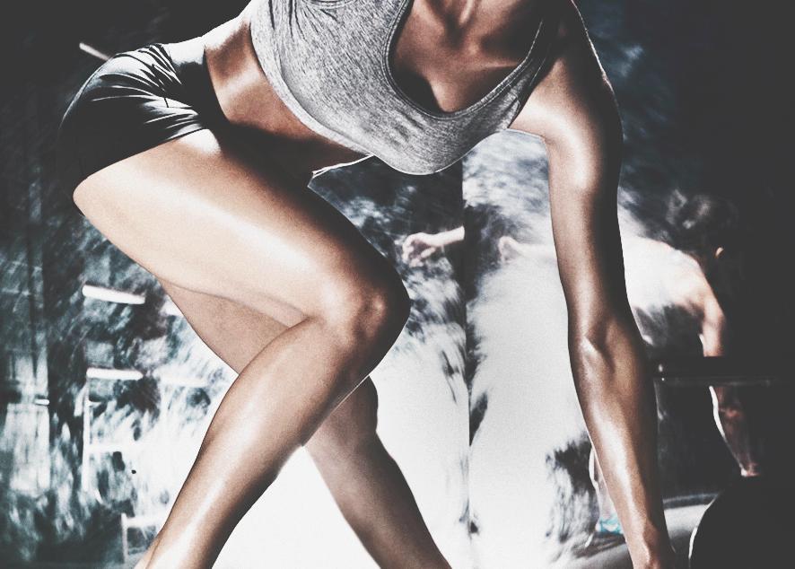 Прыжки не только сделают твое тело красивее, но и не дадут заскучать во время тренировки.