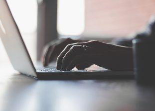 Пользователи Google весь год решали проблемы в личной жизни с помощью Интернета.