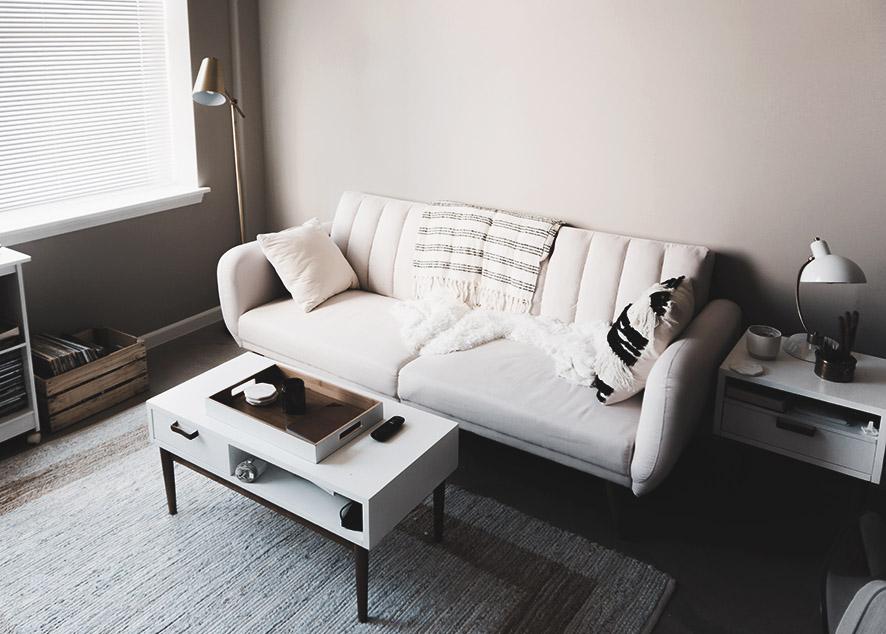 Какой диван выбрать для маленькой гостиной, кухни, помещения с неправильной планировкой или квартиры-студии.