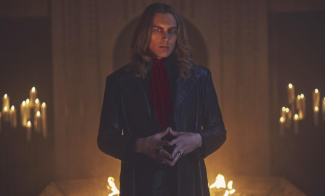 Коди Ферн в роли сатаны