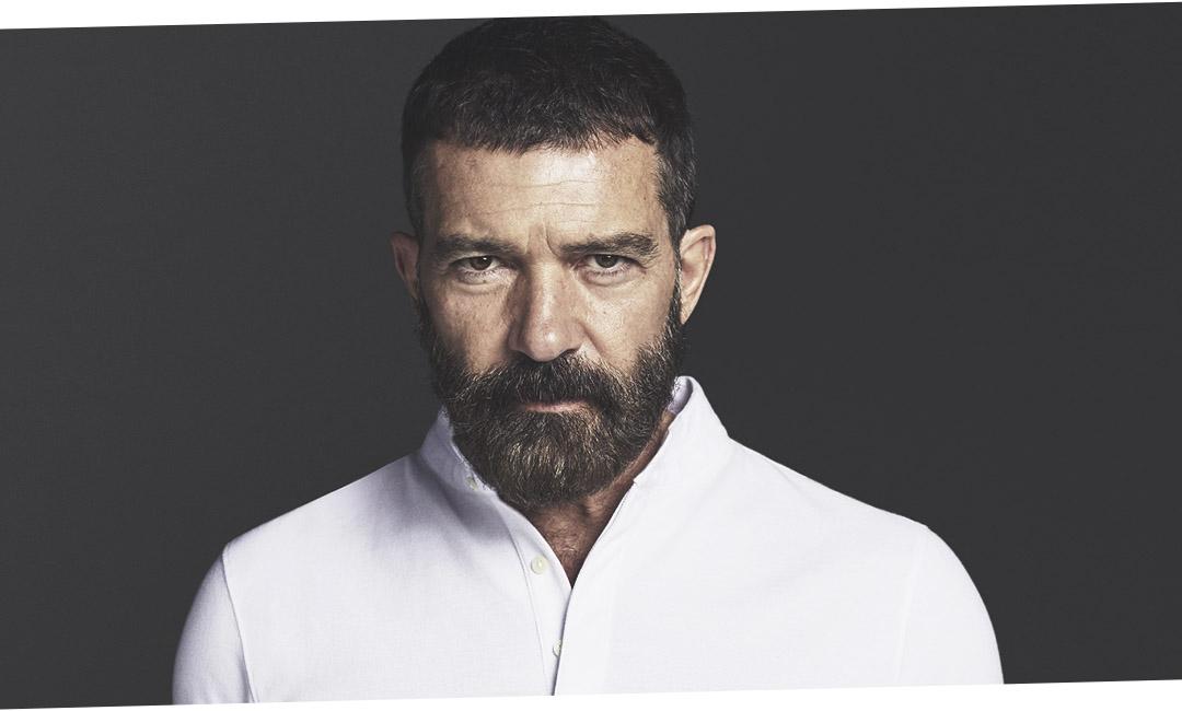 58-летний Антонио Бандерас с бородой