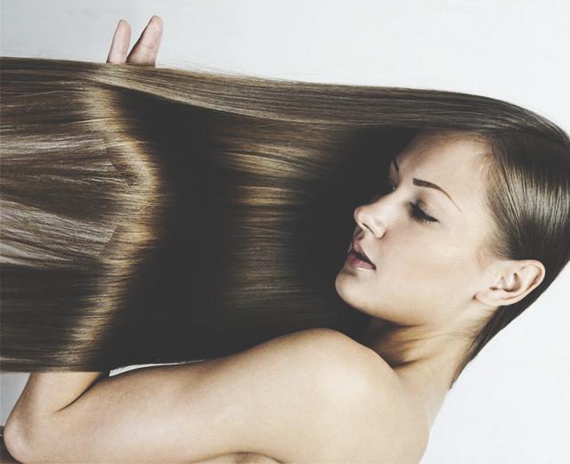 Если ты часто применяешь фен для сушки волос, пользуешься утюжком и средствами для укладки, тебе стоит присмотреться к процедуре кератинового выпрямления.