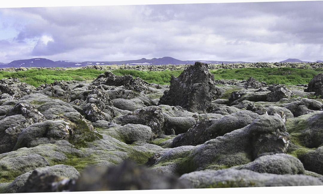 исландская достопримечательность, которую стоит увидеть, причем совершенно бесплатно – лавовые поля