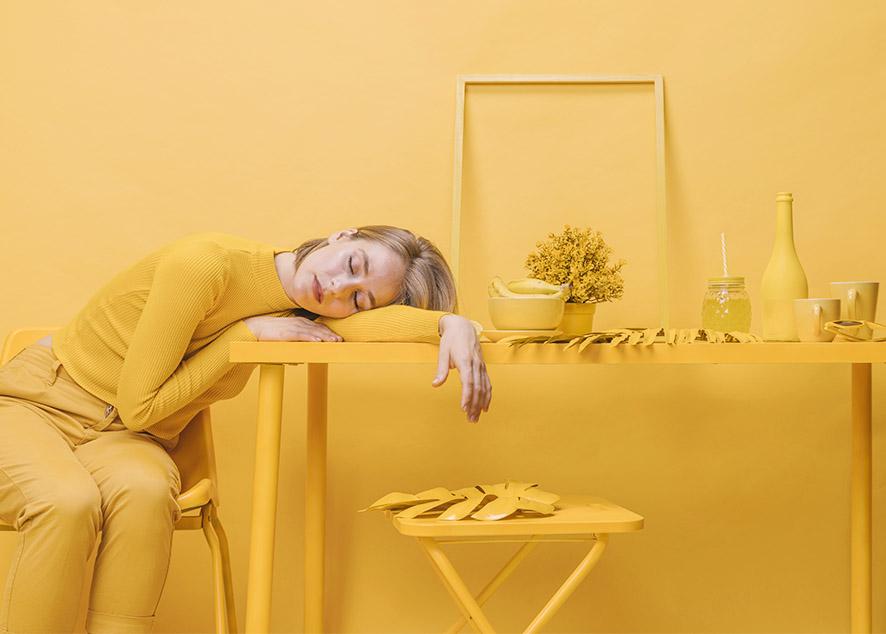 Можно ли будить лунатика, есть сладкое или сыр на ночь и стоит ли бояться, что проглотишь паука, пока спишь.