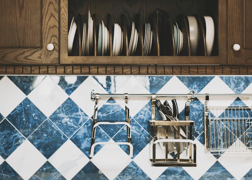 Кухня - это сердце твоего дома, поэтому она должна быть не только стильной, но также прочной и функциональной.