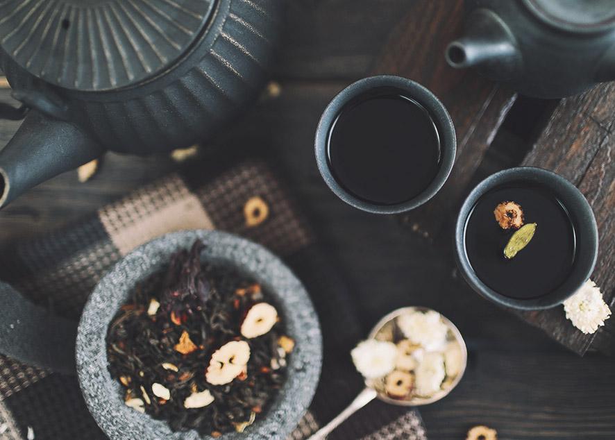 Пить чай, следуя китайским традициям, - невероятно просто, вкусно и ароматно.