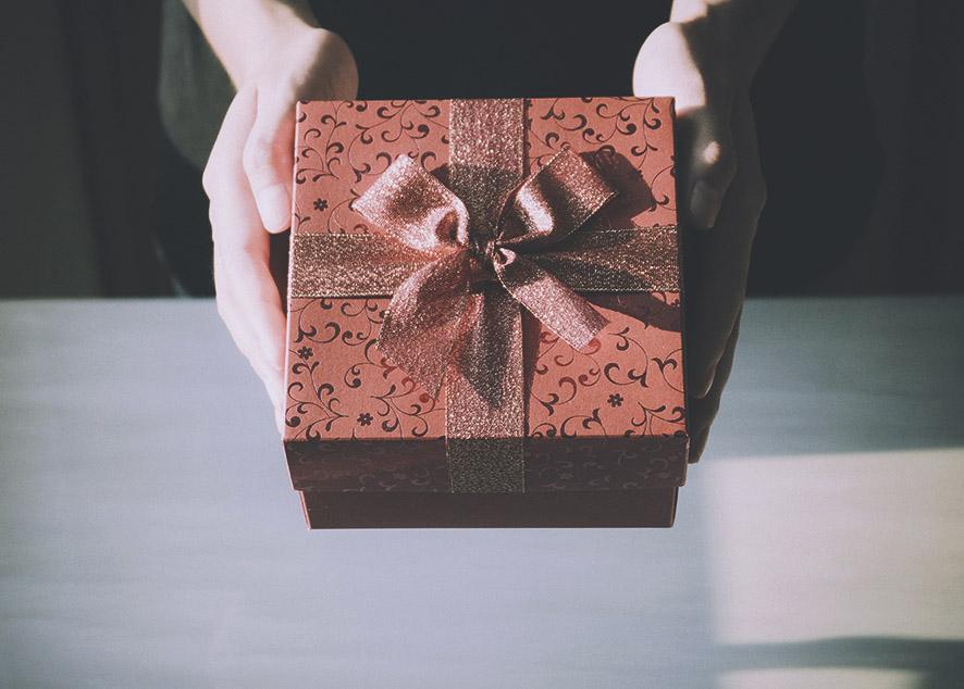 Советы по выбору подарка для той, о ком ты знаешь все.