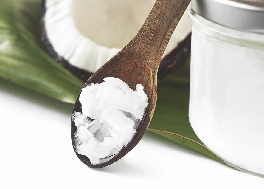 Кокосовое масло - универсальный продукт, который должен быть в твоем холодильнике.