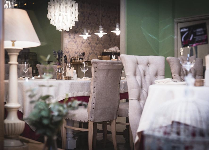 Philibert - уютный, романтичный ресторан во французском стиле, расположенный в самом сердце Петербурга.
